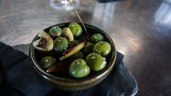 soltera wine olives